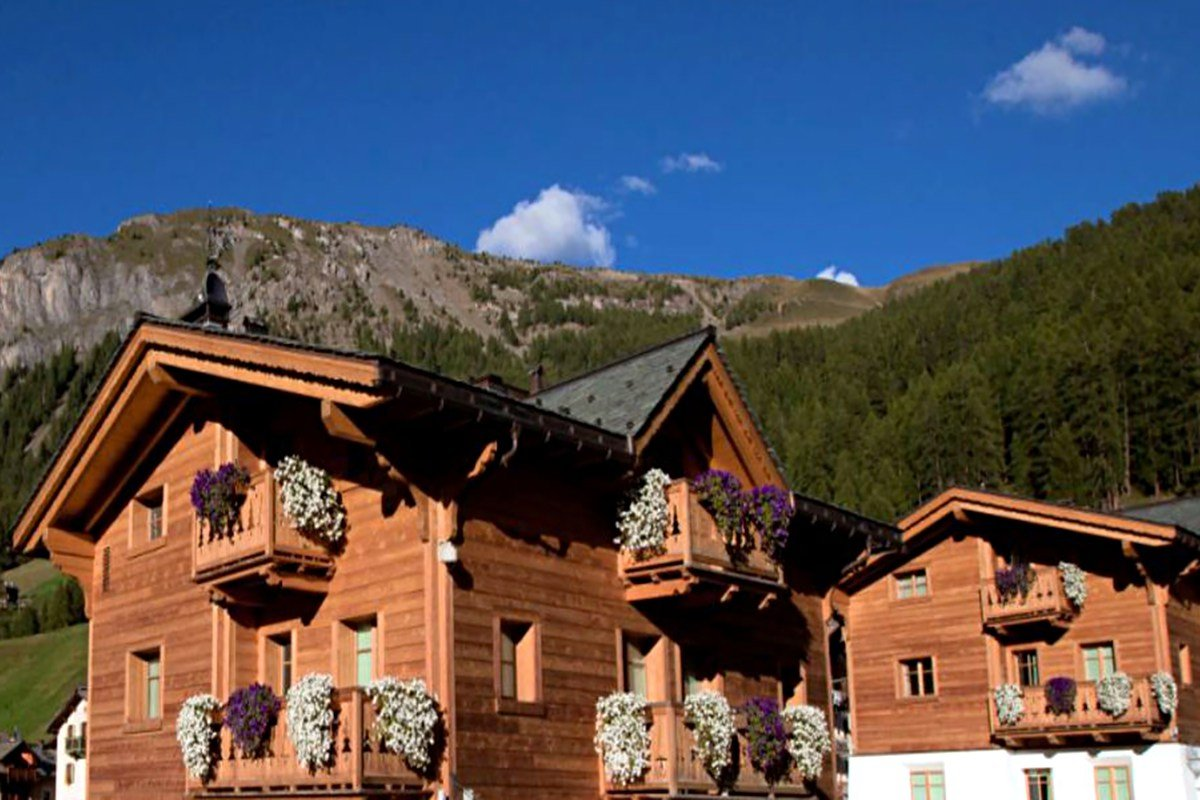 Luxury chalet Livigno for rent in the heart of Italian Alps