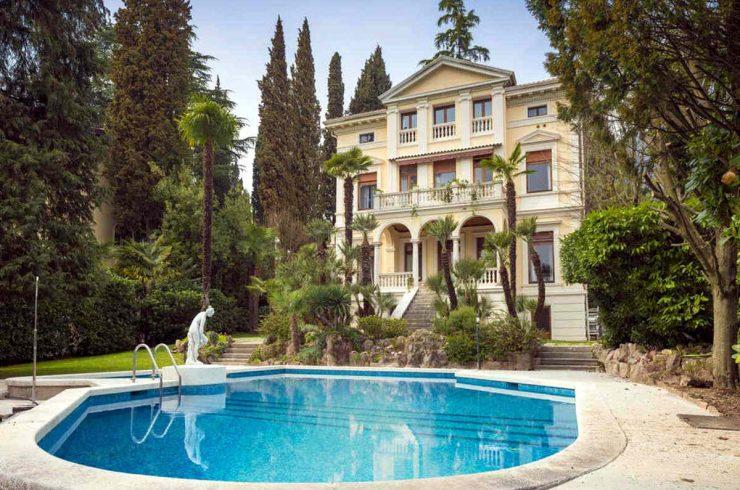 Villa vendita Lago di Garda fronte lago