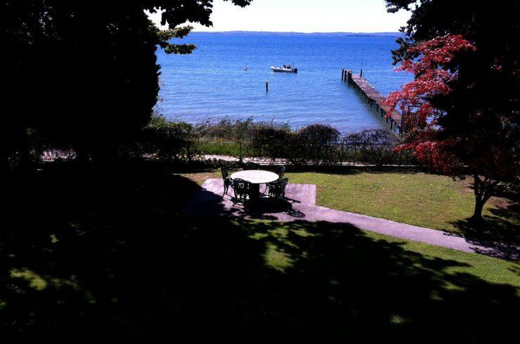 Villa Lazise vendita fronte lago con pontile privato
