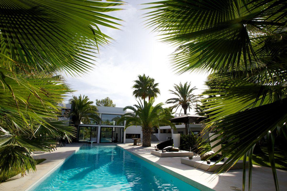 Ibiza affitto Villa con piscina e giardino esotico