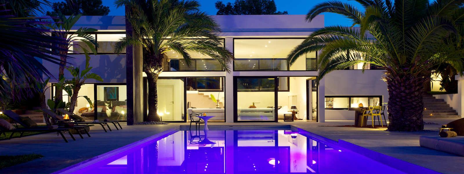 Ibiza affitto villa con piscina e giardino esotico slider for Ville moderne con piscina