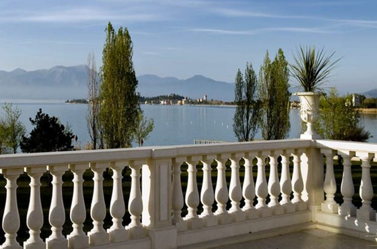 Appartamenti Sirmione fronte lago in vendita