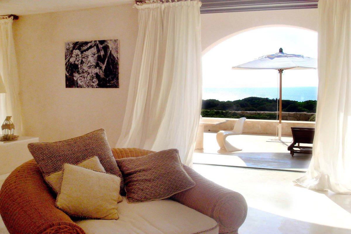Villa Ibiza affitto fronte mare in posizione spettacolare