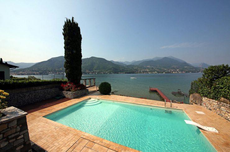 Villa Lago di Garda fronte lago, piscina, spiaggia, pontile privato