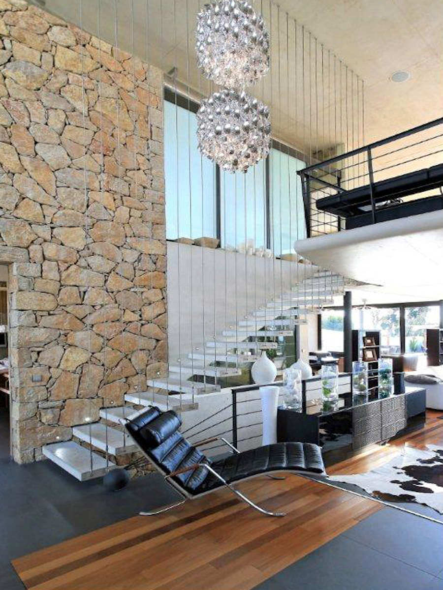 Villa Cannes sale with modern design and sea view