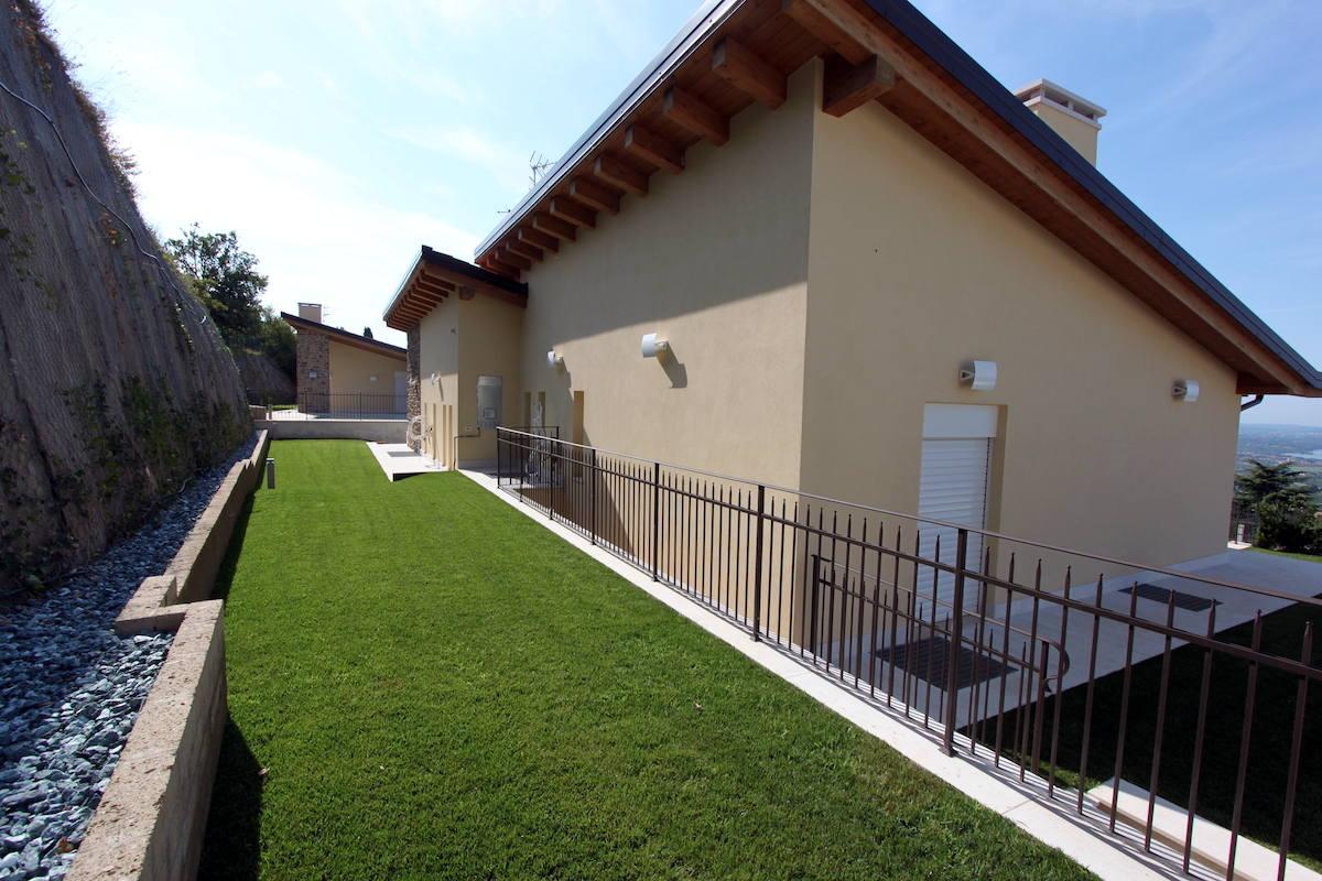 Villa Lago Garda vista lago in vendita