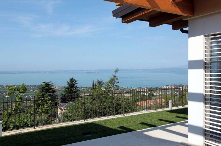Villa Lago di Garda vista lago in vendita