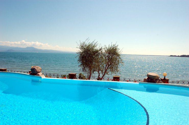 Appartamento fronte lago Padenghe sul Garda
