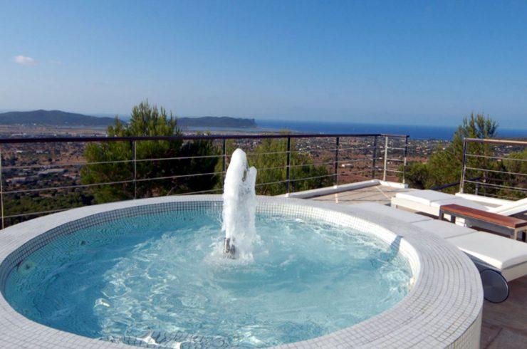 Villa lusso Ibiza in Affitto con Servizio 5 Stelle