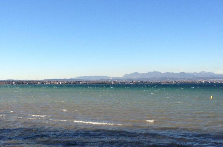 Villa fronte Lago di Garda sulla spiaggia di Sirmione
