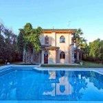 Villa sulla spiaggia Sirmione con piscina