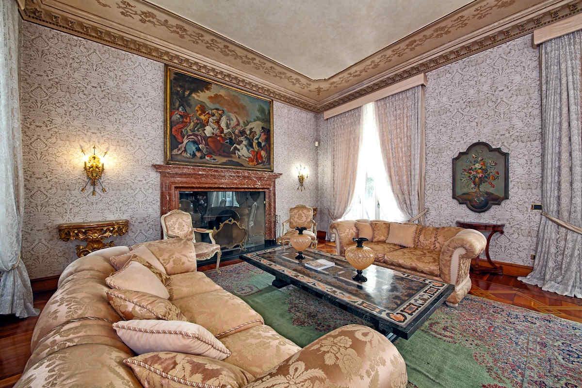 Villa Storica Lago di Garda affitto fronte lago