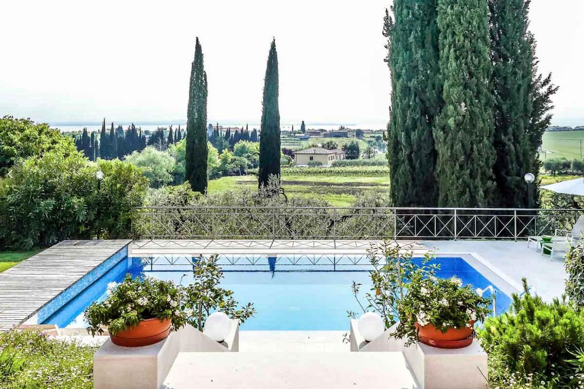 Villa Lago Garda affitto vista lago con piscina e parco