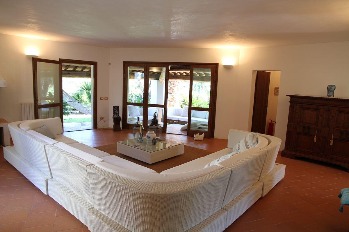 Casa in vendita Roccamare 21