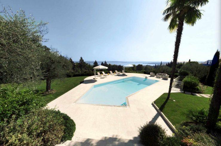 Villa a Padenghe vendita vista lago con piscina