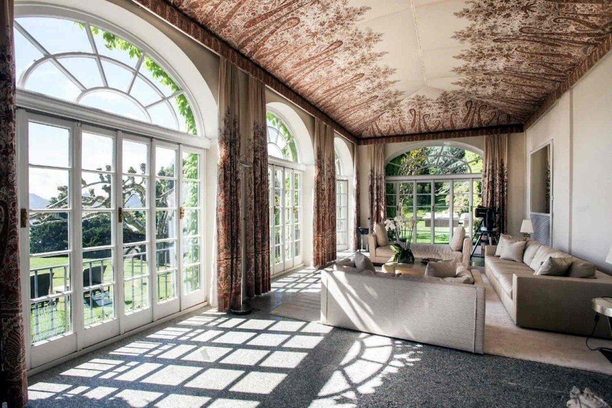 Villa Lago di Como in vendita vista lago e parco di 3 ettari