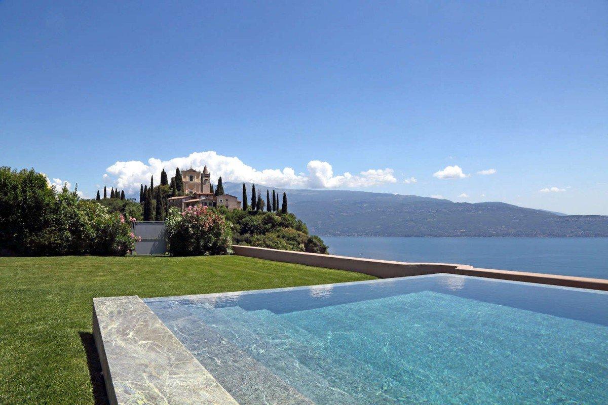 Villa Storica Lago di Garda in Affitto vista lago