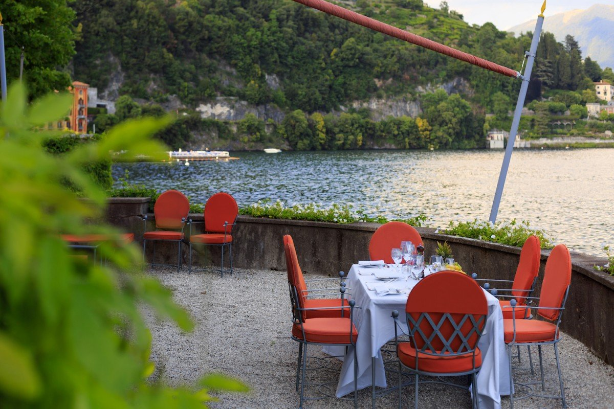 Villa fronte Lago di Como in affitto con vista mozza fiato