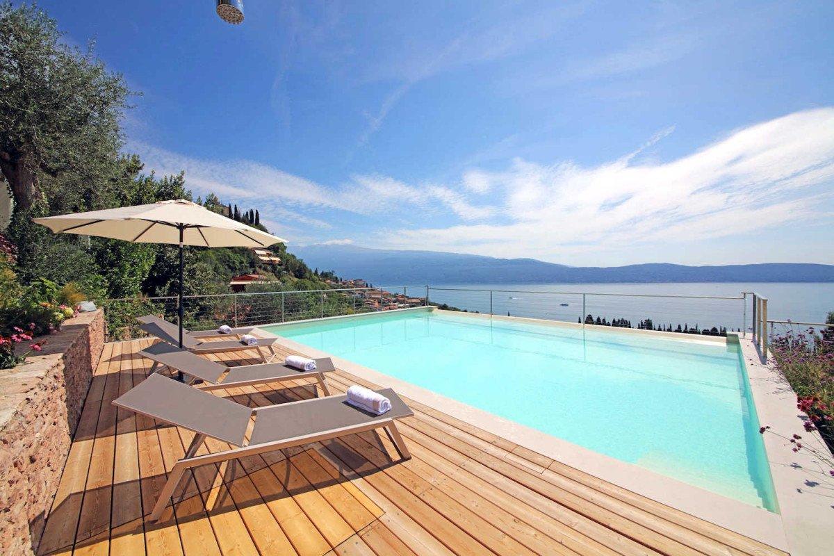 Villa in vendita Lago di Garda con piscina vista lago